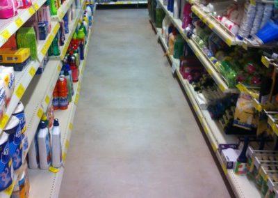 Colocación de pavimento de supermercado en Tenerife